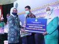 Kemnaker Salurkan Bantuan pada Pesantren dan UMKM Mojokerto