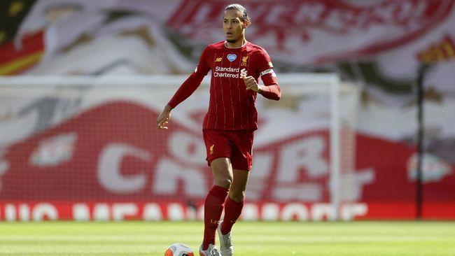 Bek tengah Liverpool Virgil van Dijk enggan meratapi kesalahannya saat The Reds hanya mampu menang tipis 4-3 atas Leeds United.