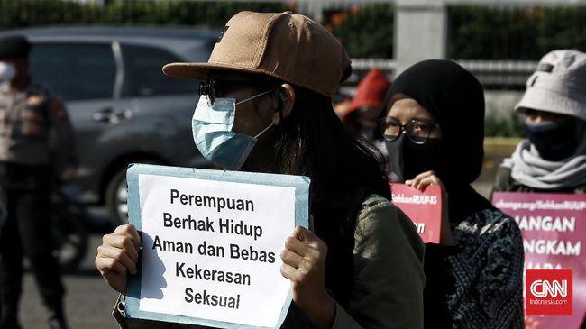 Komnas Perempuan mendorong pengesahan RUU PKS buntut dugaan kasus pelecehan seksual yang dilakukan oknum kepala sekolah SMK di Surabaya.