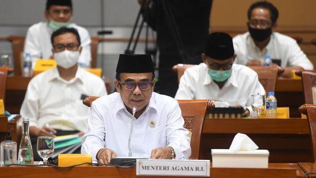 DPR menemukan data pesantren 'bodong' penerima bantuan Rp2,59 triliun dari Kemenag di tengah pandemi. Fachrul Razi mengaku kesalahan Kemenag.