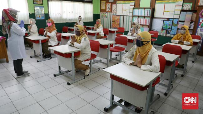 Bertujuan untuk meningkatkan kualitas guru kala UN ditiadakan, Program Organisasi Penggerak Kemendikbud menuai polemik terkait dana hibah bagi lembaga CSR.