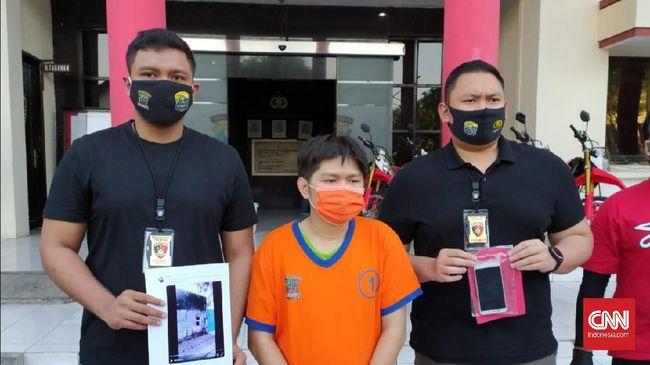 Kepolisian Resor Kota Besar (Polrestabes) Surabaya telah menangkap PN (34) pemilik akun Twitter @filipus_nove, tersangka pengunggah video dokter tanpa busana di Surabaya. PN diamankan di kediamannya, di Kebon Jeruk, Jakarta Barat.