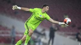 Emiliano Martinez: Dari Miskin di Argentina ke Final Piala FA