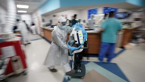 FOTO : Lonjakan Infeksi Covid-19 di Texas