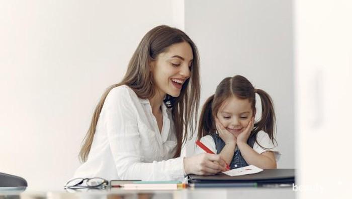 4 Hal yang Perlu Dilakukan Orang Tua Saat Anak Kembali Sekolah di New Normal