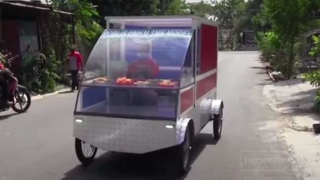 Mobil listrik buatan siswa SMK Model/Rujukan PGRI 1 Mejayan, Madiun, Jawa Timur.