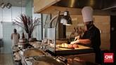 Menteri Pariwisata dan Ekonomi Kreatif Wishnutama Kusubandio mengecek kesiapan protokol kesehatan New Normal di Hotel JS Luwansa. Jakarta, Rabu, 8 Juli 2020. CNN Indonesia/Adhi Wicaksono