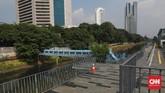 Berdiri sebuah area terbuka baru bagi masyarakat Jakarta yang ingin berinteraksi, bersantai melepas penat. Posisinya berada persis Di samping stasiun kereta BNI City dan diapit Kanal Banjir Barat. (CNN Indonesia/ Safir Makki)