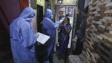 FOTO: India 'Jemput Bola' ke Rumah Warga Cek Penyebaran Virus