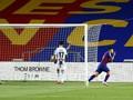 Diwarnai Dua Kartu Merah, Barcelona Kalahkan Espanyol