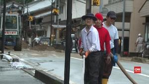 VIDEO: Wilayah Selatan Jepang Porak Poranda Diterjang Banjir