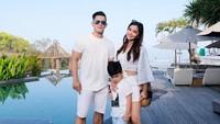 <p>Dalam Instagram Fatmasury Dahlan, pesinetron cantik ini sering mengunggah foto keluarga kecilnya. (Foto: Instagram @fatmasury_)<br /><br /></p>