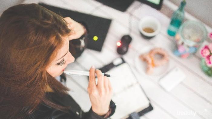 Hindari Stress Saat Bekerja, 5 Kebiasaan Sehat Ini Bisa Kamu Coba Rutinkan