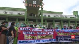 VIDEO: Gaji Dipotong, Petugas Medis Rumah Sakit Unjuk Rasa