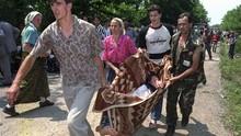 FOTO: Mengenang 25 Tahun Pembantaian Muslim Bosnia