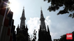 FOTO: Misa Perdana Katedral Jakarta di Masa Transisi PSBB