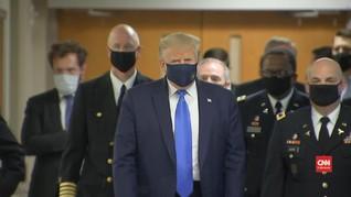 VIDEO: Momen Langka, Donald Trump Pakai Masker