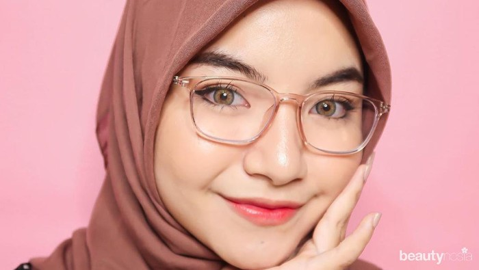 5 Model Frame Kacamata yang Cocok untuk Wajah Bulat