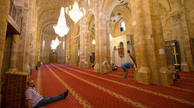 Sekitar 76 masjid di seluruh Prancis digerebek setelah muncul dugaan mempromosikan gerakan ekstremisme di kalangan umat.