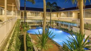 8 Hotel Staycation 500 Ribuan Plus Kolam Renang di Bandung