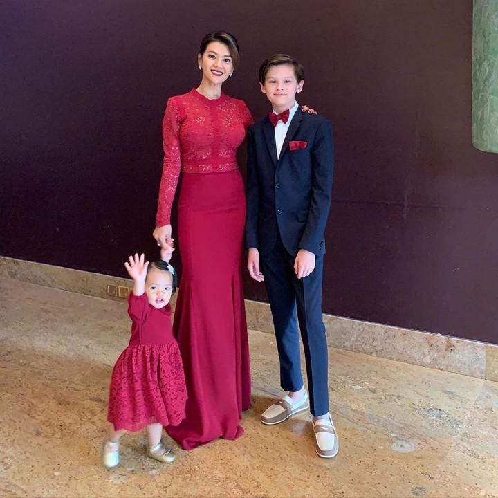 Farah Quinn dan Anak-anaknya