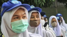 DPR Sebut Sekolah Tak Bisa Paksa Murid Pakai Atribut Agama