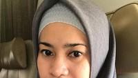 <p>Nah kalau ini potret Ikke dengan make up yang tipis, masih tetap cantik kan? (Foto: Instagram @ikkenurjanah0518)</p>