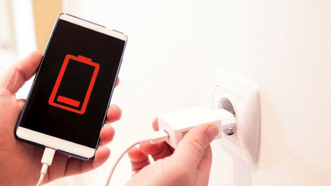 Xiaomi dan Samsung menjilat ludah sendiri setelah sempat mengejek Apple yang menghadirkan iPhone 12 tanpa dilengkapi dengan charger.