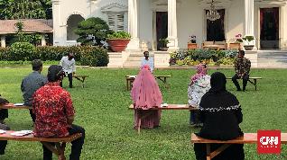 Jokowi Minta Pedagang Cilik Kerja Keras Meski Tertekan Corona