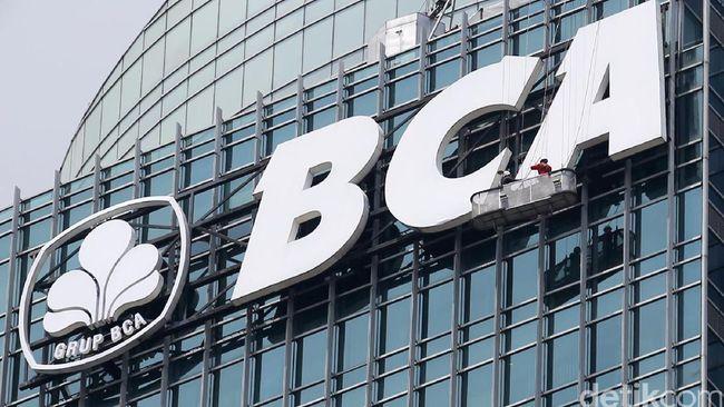 BCA membagikan dividen interim kepada pemegang saham senilai Rp98 miliar. Itu diputuskan dalam RUPST pada 9 April lalu.