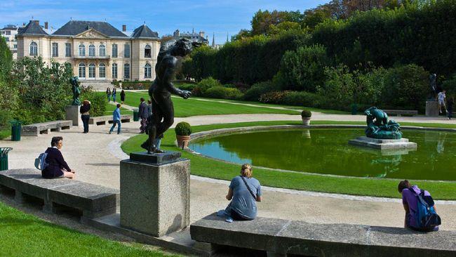 Museum Rodin di Prancis memajang karya pematung Auguste Rodin yang terkenal dengan pahatannya indah sekaligus puitis.