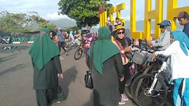 Polisi Syariat Pantau Pesepeda Berpakaian Ketat di Banda Aceh