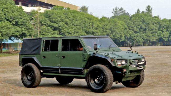 Pindad menyatakan Maung versi sipil bakal dijual pada pertengahan tahun ini seharga sekitar Rp600 juta.