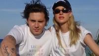 <p>Calon menantu David Beckham dan Victoria Beckham bukan gadis biasa. Nicola Peltz adalah seorang putri dari konglomerat, pebisnis kaya raya Nelson Peltz. (Foto: Instagram @brooklynbeckham)</p>