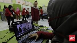 Madrasah di Bawah Kemenag, Nadiem Tak Beri Jatah Laptop