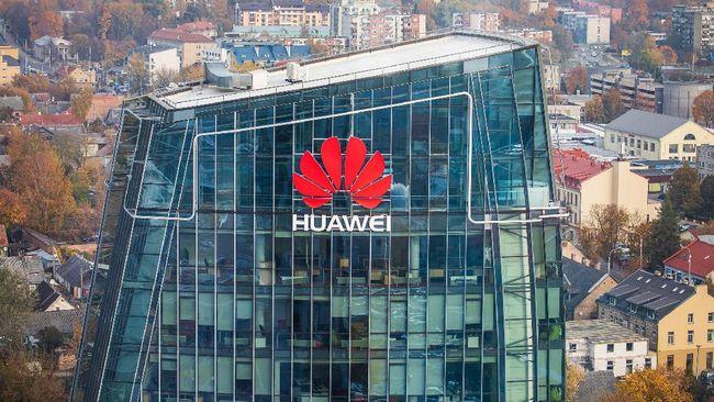 Huawei selesai membangun pabrik chipset sendiri di Wuhan usai pelarangan AS terkait sanksi dagang.