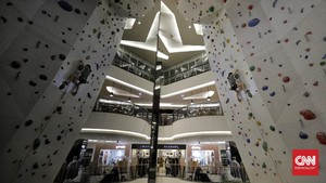 FOTO: Panjat Dinding di Mal, Alternatif Olahraga Kala Pandemi