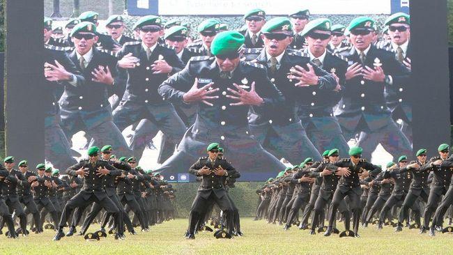 Jokowi menaikkan santunan kematian bagi anggota TNI, Polri dan PNS Kementerian Pertahanan. Berikut rinciannya.