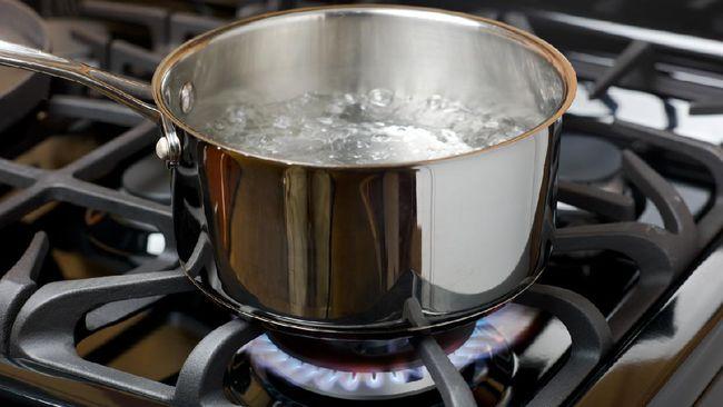 tips membuat kaldu siapkan air mendidih
