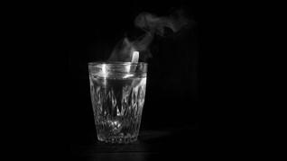 Kenali Manfaat Minum Air Hangat di Pagi Hari