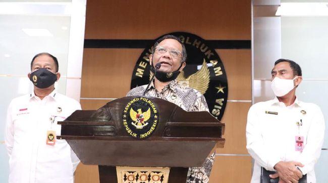 Terkait polemik UU Ciptaker, Menko Polhukam Mahfud MD mengatakan Presiden Jokowi menginginkan izin investasi dalam hitungan jam seperti di UEA.