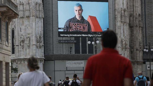 Setahun setelah show Men's Fashion Week sebelum pandemi di Milan, kini ajang yang sama akan dimulai di tengah pandemi tahun kedua pada Jumat (15/1).