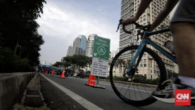 Kemenhub menilai jalur sepeda idealnya berada di sisi kiri jalan dengan pemisah atau separator permanen.