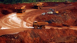 Pemerintah Didesak Buka Detil Kontrak Tambang di Indonesia