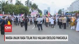 VIDEO: Ribuan Massa Demo Tolak Ruu Haluan Ideologi Pancasila