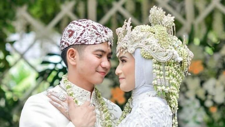Rizki DA dan istri