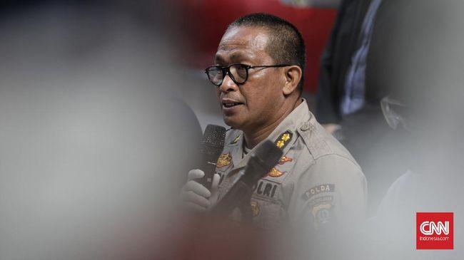 Polisi membeberkan, peredaran narkoba di Kampung Ambon diduga dikendalikan setidaknya oleh tiga bandar, satu di antaranya bernama Zemba masih dalam pengejaran.
