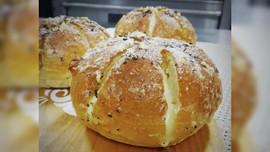 Korean Garlic Bread, dari Kaki Lima sampai Viral di Indonesia