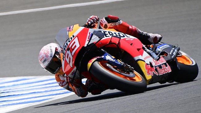 Repsol Honda Team's Spanish rider Marc Marquez competes during the MotoGP qualifying session of the Spanish Grand Prix at the Jerez racetrack in Jerez de la Frontera on July 18, 2020. (Photo by JAVIER SORIANO / AFP)