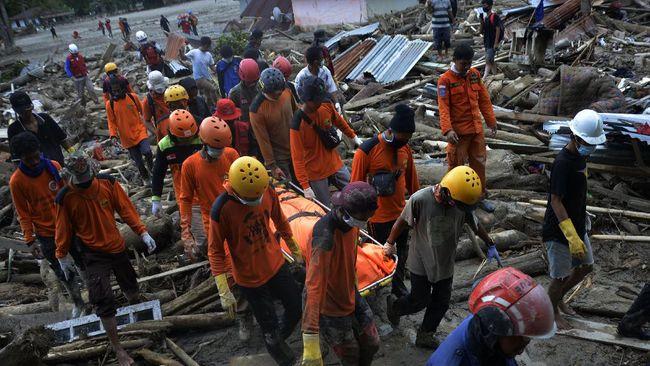 Banjir bandang di Luwu Utara, Sulsel pada 13 Juli lalu menghancurkan 4.202 rumah hingga puluhan korban jiwa.